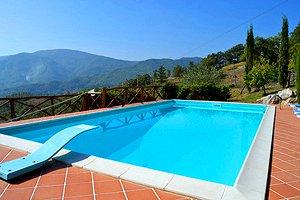 Villa casentino villa avec piscine in casentino caprese for Prix piscine 5x10