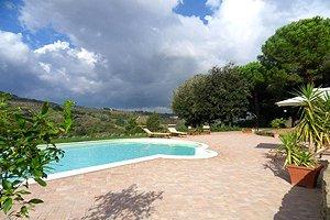 Villa dei pini villa con piscina in campagna di empoli - Piscina due pini ...