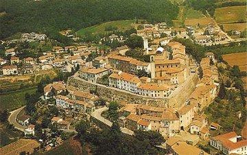Ville a monterchi ville per affitti vacanze a monterchi for Ville vacanze italia